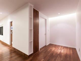 디자인사무실 Modern living room Wood