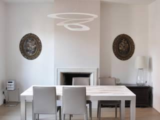 RIZZINELLI & VEZZOLI ARCHITETTI ASSOCIATI Salones de estilo moderno