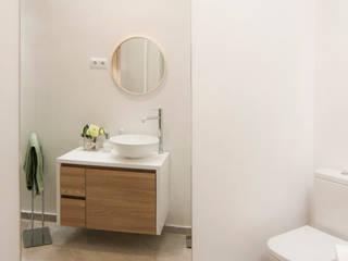 Skandynawska łazienka od emmme studio Skandynawski