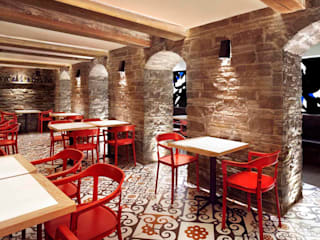 Barsa Taberna Mediterrane Bars & Clubs von Ceramiche Refin S.p.A Mediterran