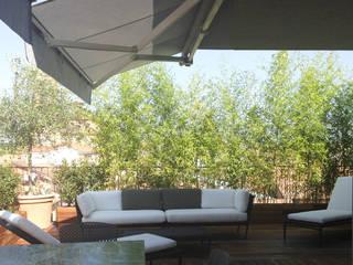 bilune studio Modern balcony, veranda & terrace Wood