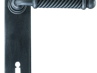 """Madrid"" Collection by Galbusera Galbusera Giancarlo & Giorgio S.n.c. Windows & doors Doorknobs & accessories Iron/Steel"