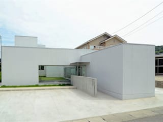 COUMA+house H モダンな 家 の 吉村寿博建築設計事務所 モダン