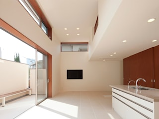 Modern living room by 一級建築士事務所 Eee works Modern