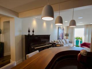 Estúdio HL - Arquitetura e Interiores Modern living room
