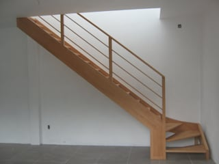 Modern Corridor, Hallway and Staircase by L atelier Modern