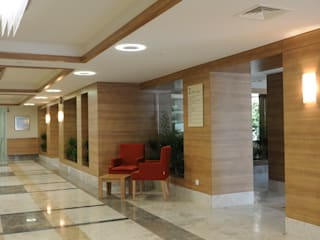 Geyran Mimarlık Atölyesi LTD. ŞTİ. – Dora Hospital:  tarz Hastaneler
