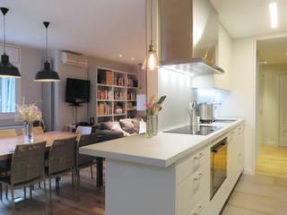 Vivienda Sant Cugat: Cocinas de estilo  de Brick construcció i disseny