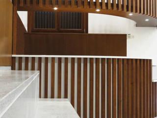 Brick Serveis d'Interiorisme S.L. Vestíbulos, pasillos y escalerasAlmacenamiento