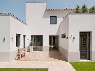 VIVIENDA ABAD Y COTONER, S.L. Casas de estilo minimalista