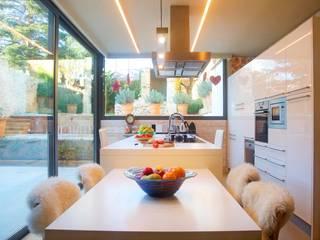 Cocinas de estilo  por Brick construcció i disseny