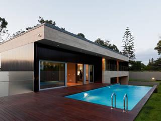 Maisons modernes par XYZ Arquitectos Associados Moderne