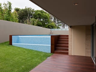 XYZ Arquitectos Associados Modern Pool