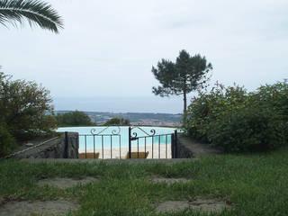 Parco Privato Catania Spa in stile mediterraneo di SPAZIO AV ARCHITETTURA VERDE AMBIENTE ARTE Mediterraneo