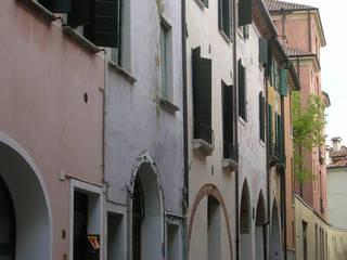 Restauro palazzetto storico Case moderne di Zago Studio Architects Moderno