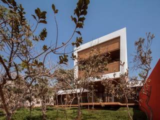 Modern Houses by MGS - Macedo, Gomes & Sobreira Modern