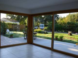 Angle vitré - Vue intérieure:  de style  par LM architecte