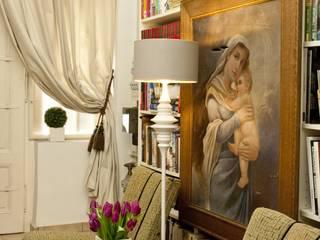 Apartment Wien Naschmarkt:  Flur & Diele von Christian Hantschel Interior Design