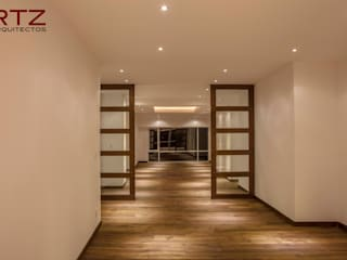 Modern walls & floors by RTZ-Arquitectos Modern