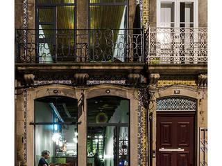 Duas de Letra: Espaços de restauração  por BAAU - Bernardo Amaral Arquitectura+Urbanismo,Moderno