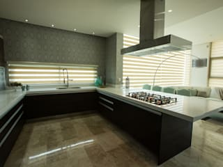 Modern kitchen by Dovela Interiorismo Modern
