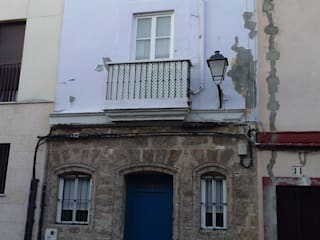 Casas de estilo clásico de Ahumada Construcciones y Rehabilitación S.L Clásico