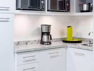 . Cocinas de estilo moderno de Belhogar Diseños, C.A. Moderno