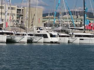 Overblue 44: Yacht & Jet in stile in stile Moderno di Studio Foschi & Nolletti