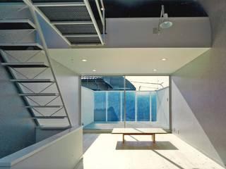Khouse-1 オリジナルデザインの テラス の 河浩介建築設計室. オリジナル