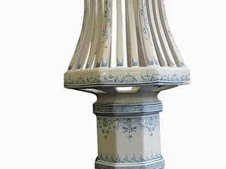Lampe  forme exclusive faïence d'art.:  de style  par LALLIER-MOUSTIERS(FAIENCERIE DES TROIS L SARL)