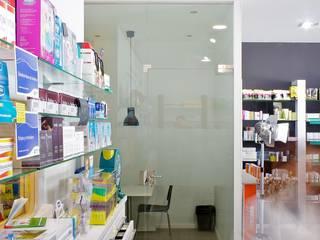 Farmacia TM Estudios y despachos de estilo moderno de Sánchez-Matamoros | Arquitecto Moderno