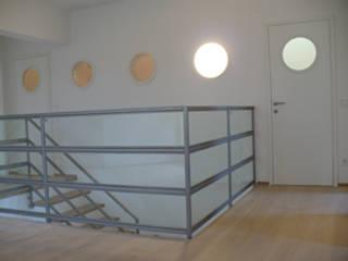 Umbau und Sanierung einer Wohnung:  Flur & Diele von Architekt DI Felix Berkmann