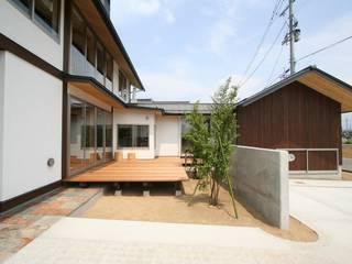 +αをつなぐ家: 遠藤知世吉・建築設計工房が手掛けた家です。