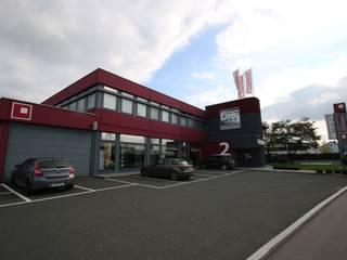 Design Manufaktur GmbH 미니멀리스트 주택