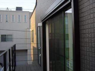 光と空間の家 モダンな 家 の 株式会社北海道ハウス モダン