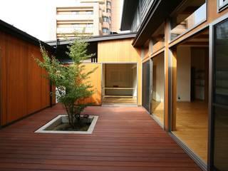 輝けるコート  The court which can shine : 遠藤知世吉・建築設計工房が手掛けたテラス・ベランダです。