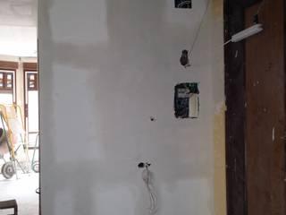 Arreglo de pared con placa de escayola de Escayolas Colunga