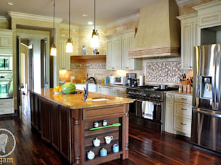 Nashville Country Home Country style kitchen by Aegam Country