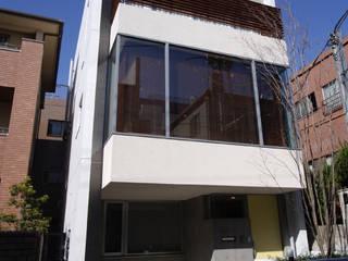 都心の家 N邸 モダンな 窓&ドア の 細江英俊建築設計事務所 モダン