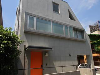 都心の家 A邸 モダンな 窓&ドア の 細江英俊建築設計事務所 モダン