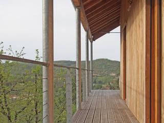 Maison MD Balcon, Veranda & Terrasse modernes par CARRE d'ARCHITECTES Moderne