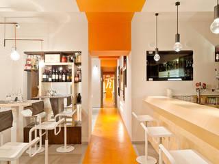 Accà Ristopizzaperitivo Bar & Club moderni di Emanuela de Caro Moderno