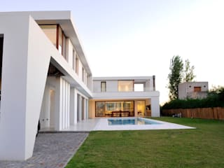 Back view de Ramirez Arquitectura Moderno Vidrio