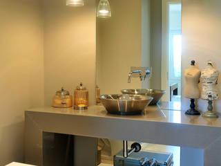 Toilette: Baños de estilo  por Ramirez Arquitectura