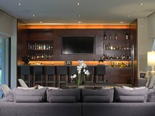 Bar: Hogar de estilo  por VICTORIA PLASENCIA INTERIORISMO