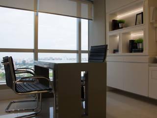 Consultório Médico por marli lima designer de interiores Clássico