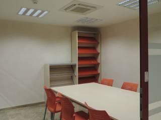 Biblioteca y museo arqueológico Salas multimedia de estilo moderno de estudio MG arquitectura y urbanismo Moderno