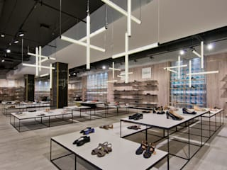 Shoe Gallery Moderne Ladenflächen von Ceramiche Refin S.p.A Modern