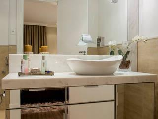 Ванная в классическом стиле от Priscila Koch Arquitetura + Interiores Классический