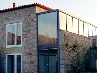 CASA CRUZEIRO Casas modernas por MANUEL CORREIA FERNANDES, ARQUITECTO E ASSOCIADOS Moderno